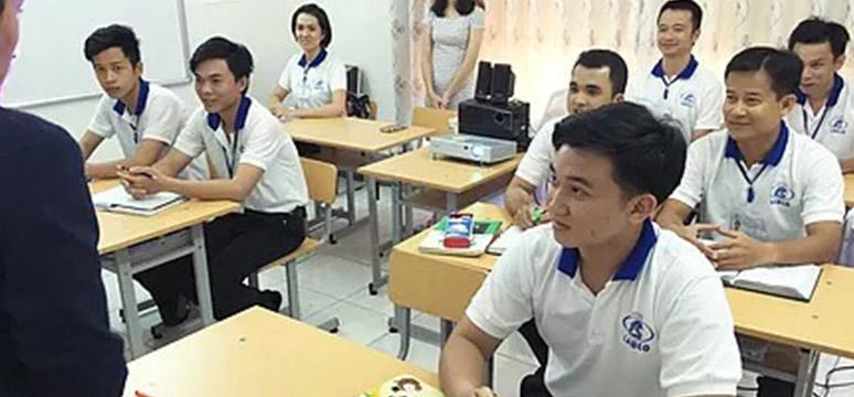 外国人への技能実習も実施しています。